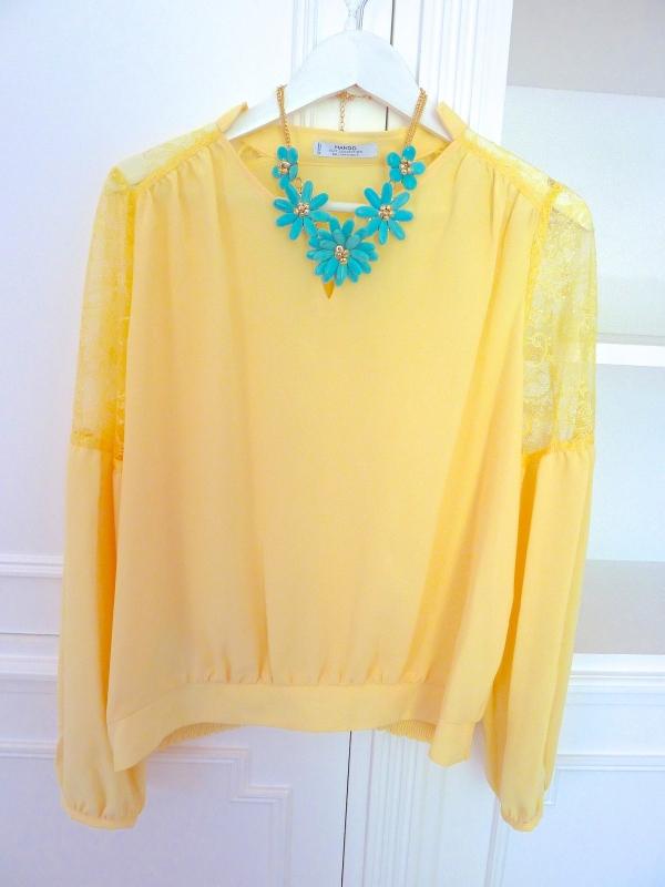 Blouse jaune Mango, Collier H&M